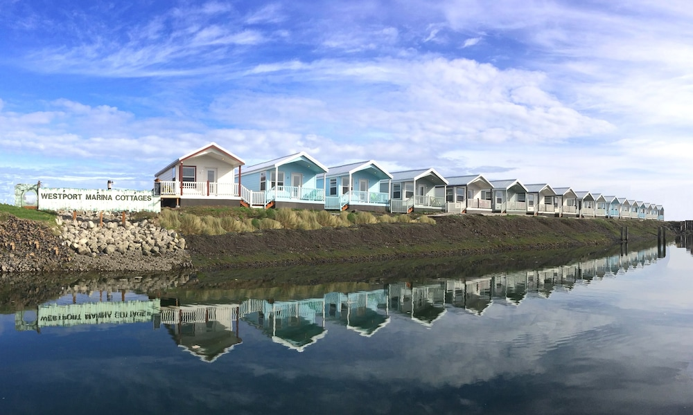 Featured Image, Westport Marina Cottages