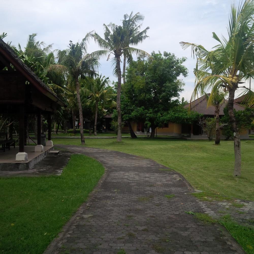 Suji Bungalows Bali
