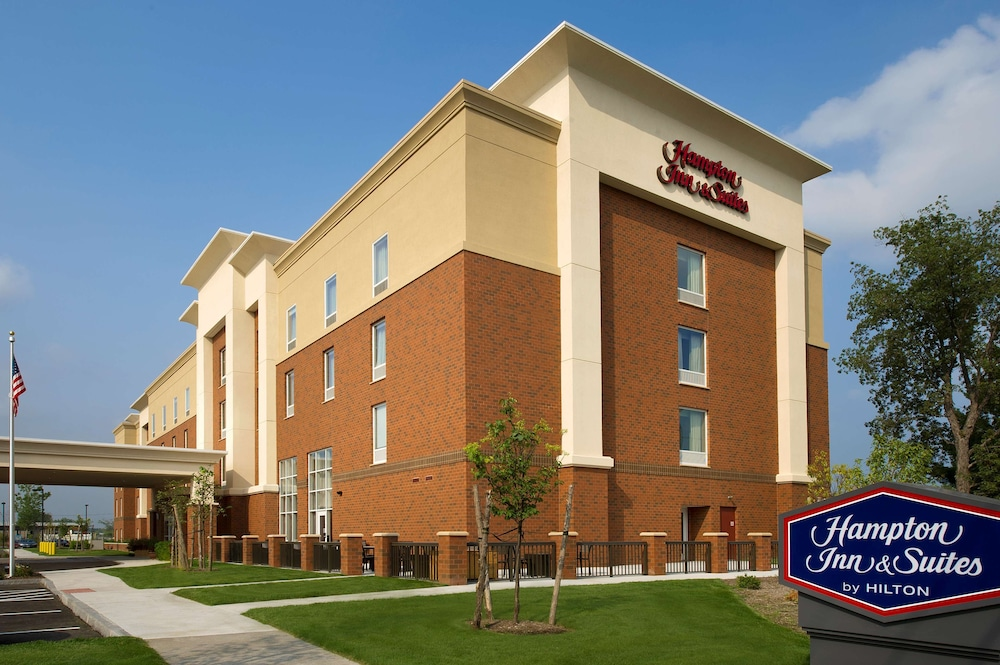 Exterior, Hampton Inn & Suites Syracuse/Carrier Circle