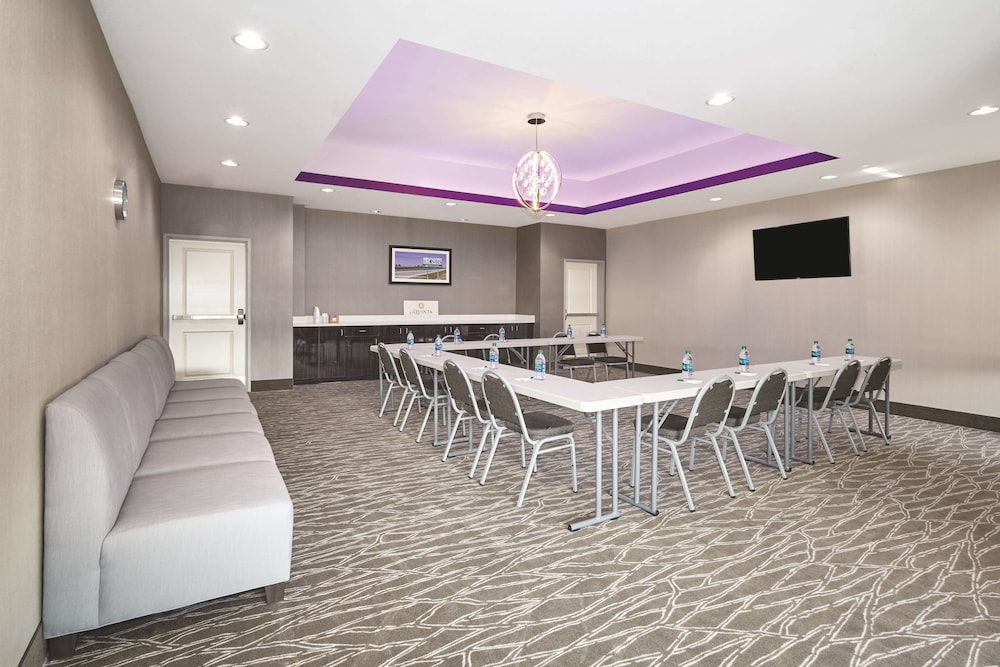 Meeting Facility, La Quinta Inn & Suites by Wyndham Springfield IL