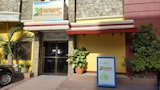 Kokomo's Suites Hotel - Angeles City Hotels