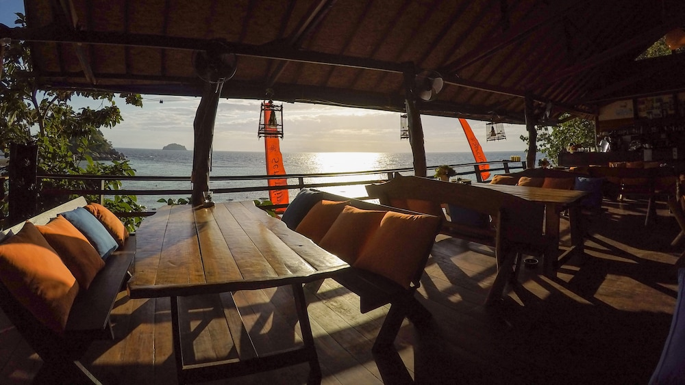 Outdoor Dining, Serendipity Beach Resort Koh Lipe