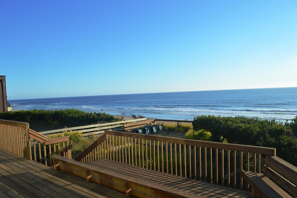 On The Beachfront Vacation Rentals In Lincoln City Hotel