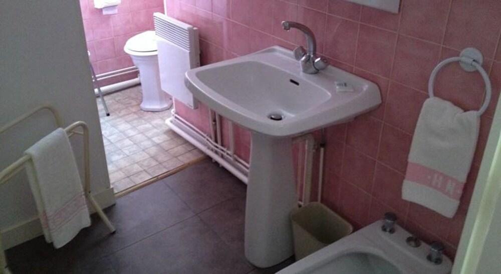h tel du nord deals reviews besancon fra wotif. Black Bedroom Furniture Sets. Home Design Ideas