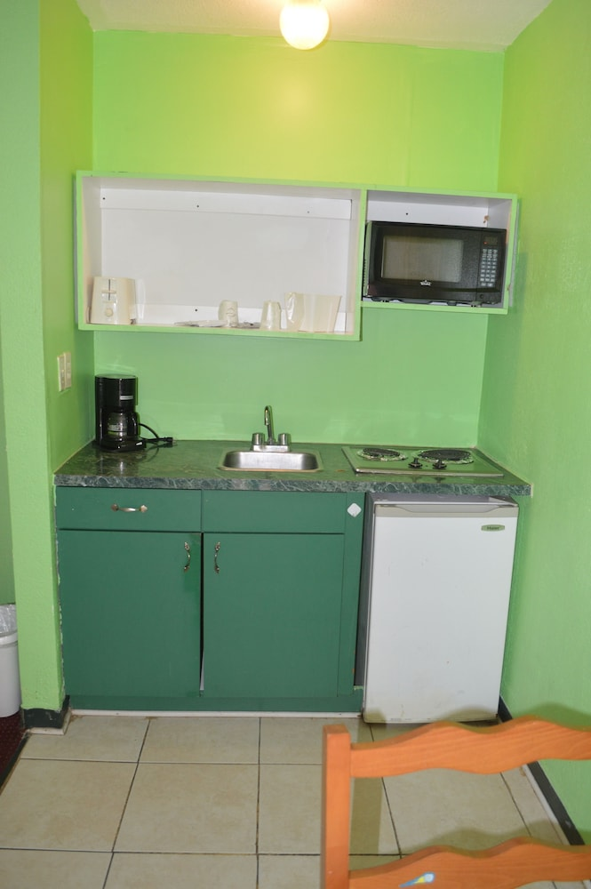 Private Kitchenette, Tarpon Inn