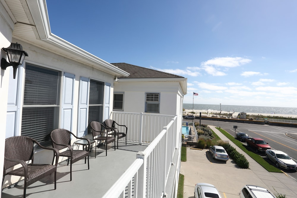 Capri motor lodge deals reviews cape may wildwood for Capri motor lodge cape may