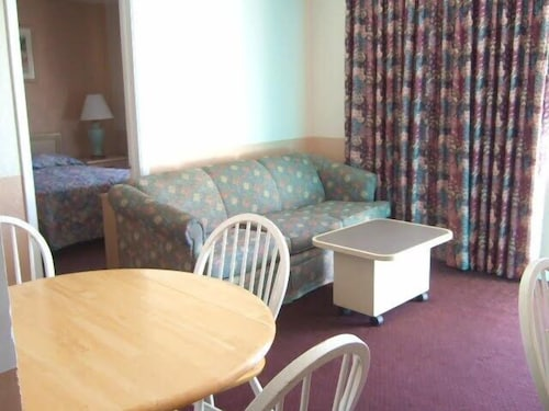 Living Area, Royal Court Motel