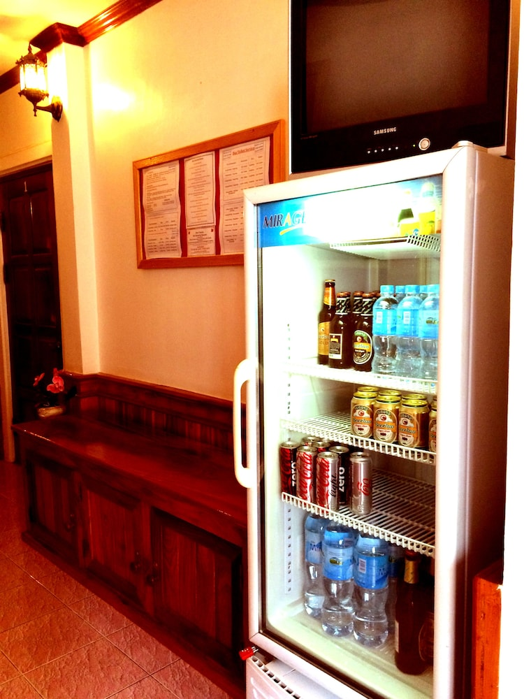 Snack Bar, Apple Guesthouse