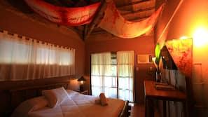Escritorio, cortinas opacas, camas supletorias (de pago) y wifi gratis