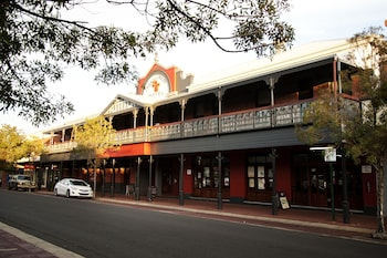 Prince of Wales Hotel Bunbury Deals & Reviews (Bunbury, AUS
