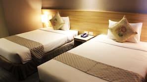 Down comforters, desk, free WiFi, linens