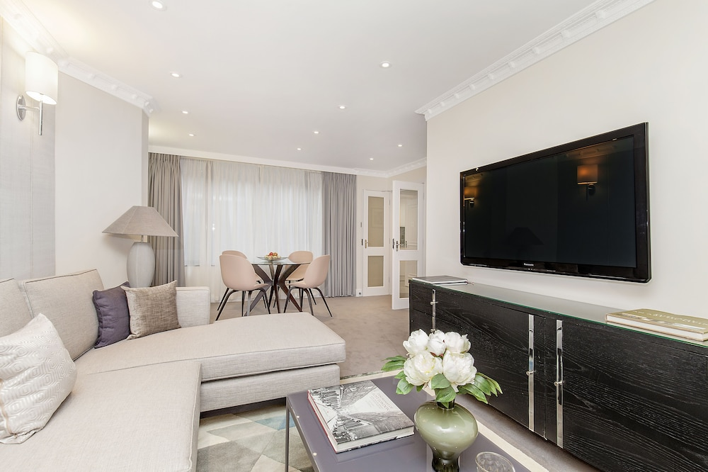 Living Area, Mayfair House