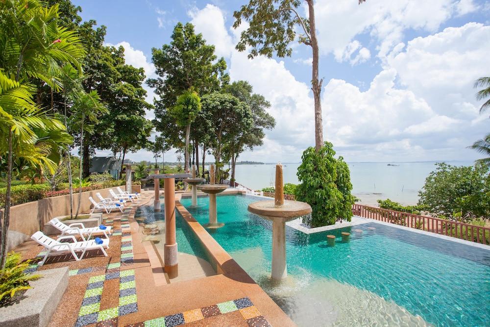 Arawan Krabi Beach Resort In