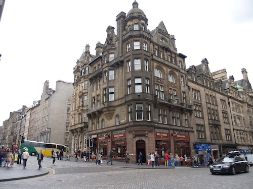 Royal Mile Mansions Apartment 27