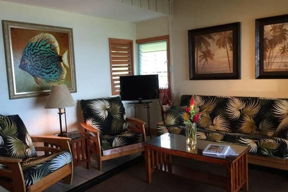 Living Room, Kailani Suite at Hana Kai Resort