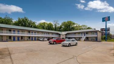 Motel 6 Attalla, AL
