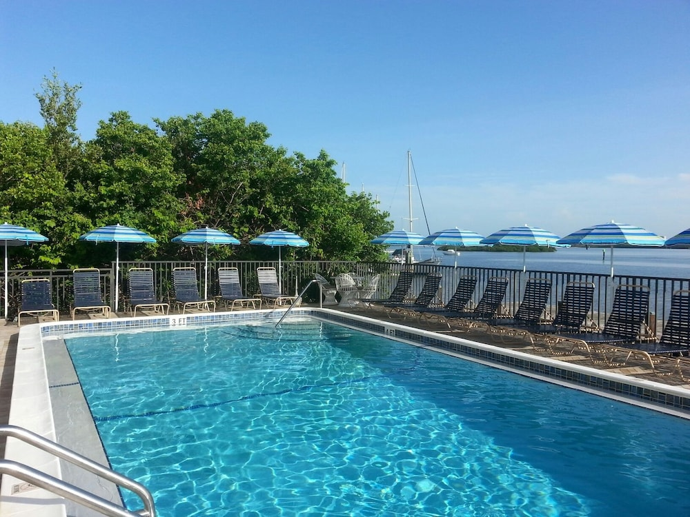 Marina Village At Snug Harbor Fort Myers Beach 2018 Reviews Hotel Booking Expedia Sg