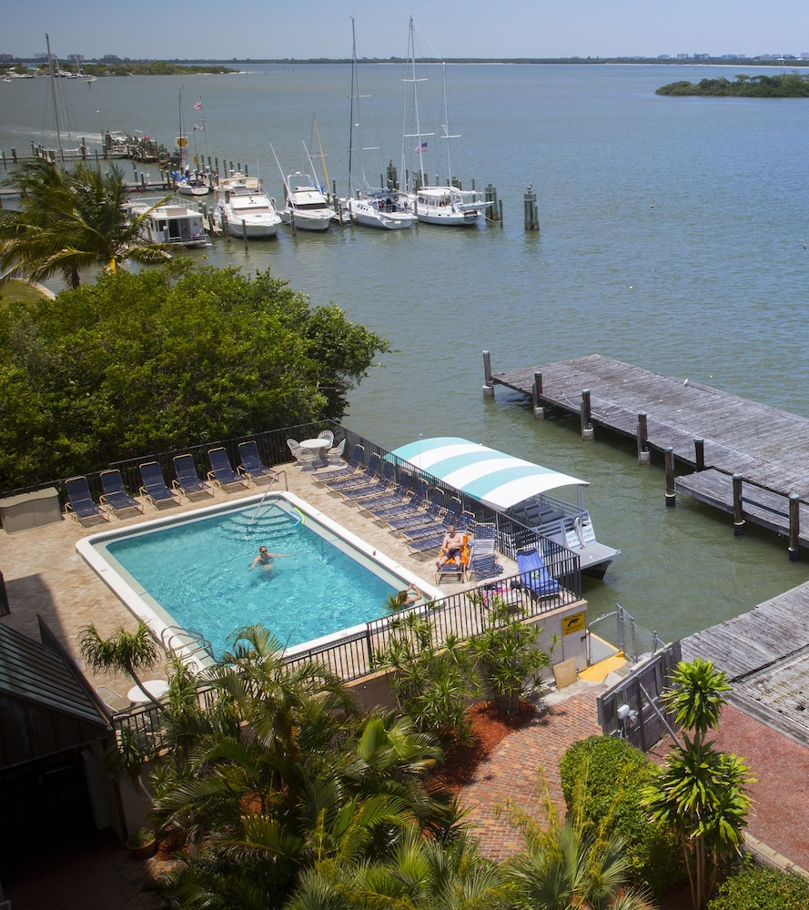 Outdoor Pool, Marina Village at Snug Harbor