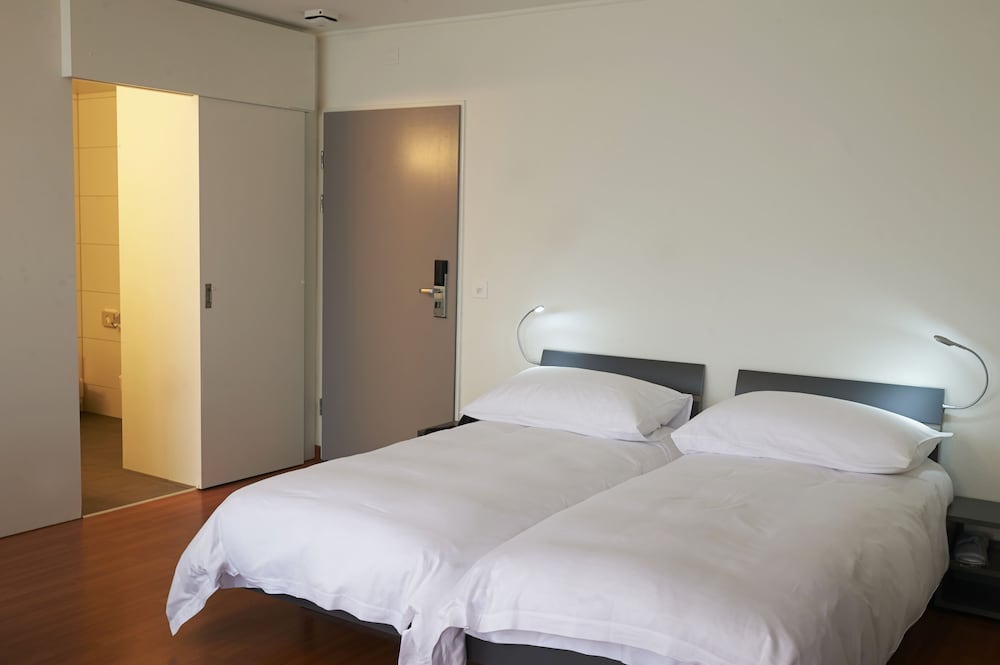 Room, Congress Apartments by Hotel du Commerce