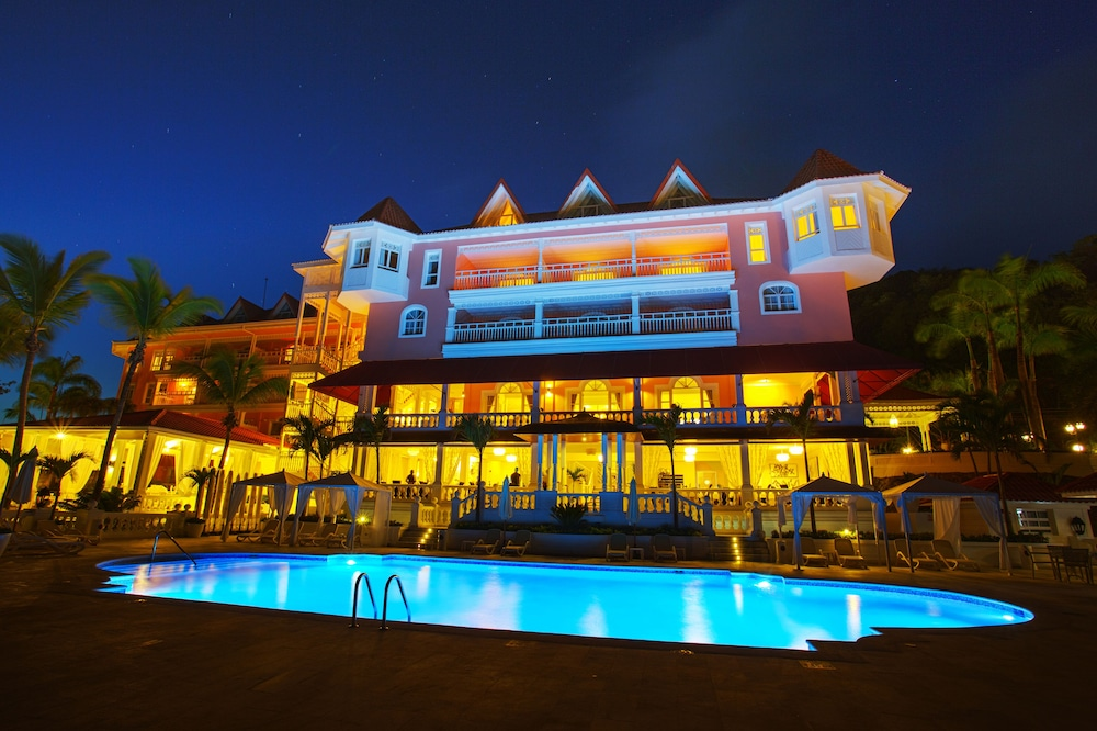 Front of Property - Evening/Night, Bahia Principe Luxury Samana - Adults Only - All Inclusive