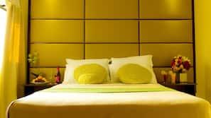 Hypo-allergenic bedding, in-room safe, desk, soundproofing