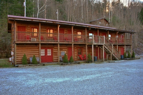 Black Bear Lodge Motel