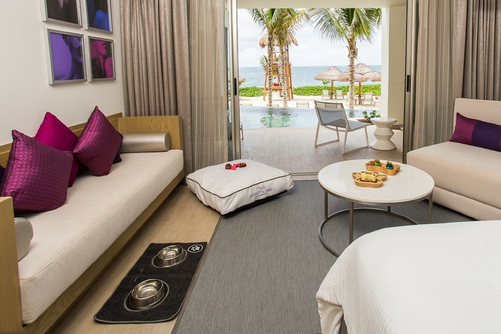 Living Area, Breathless Riviera Cancun Resort & Spa