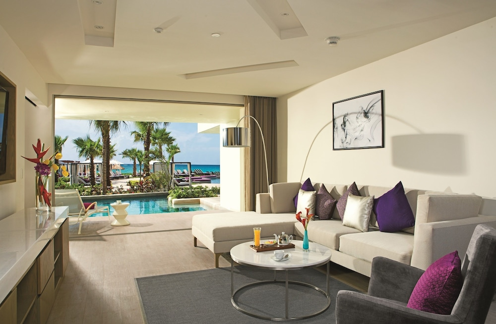 Living Room, Breathless Riviera Cancun Resort & Spa