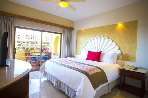 Family Luxury Suites by Velas Vallarta - All Inclusive
