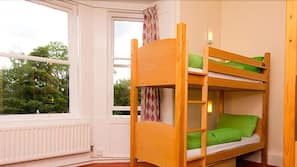 Cots/infant beds, free WiFi