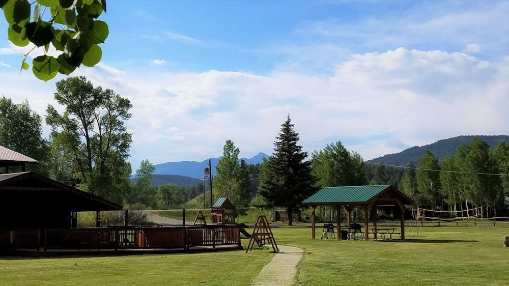 Children's Play Area - Outdoor, High Country Lodge & Cabins