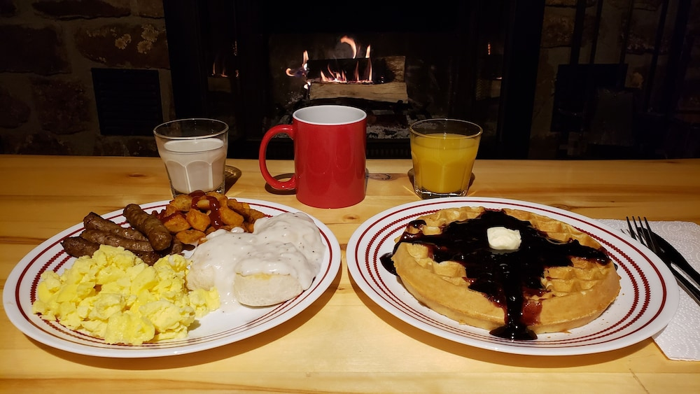 Breakfast Meal, High Country Lodge & Cabins
