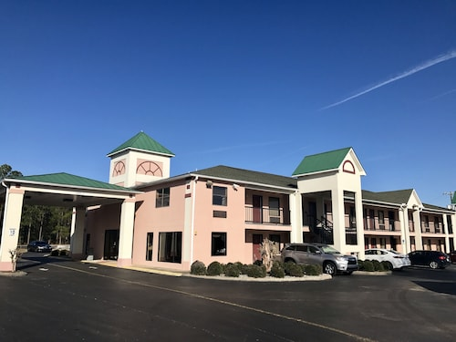 Great Place to stay Parkway Inn and Suites near Quincy