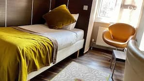 In-room safe, free WiFi, bed sheets