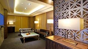 高級寢具、房內夾萬、窗簾、免費 Wi-Fi
