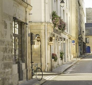 3, Eue de Jarente, 75004 Paris, France.
