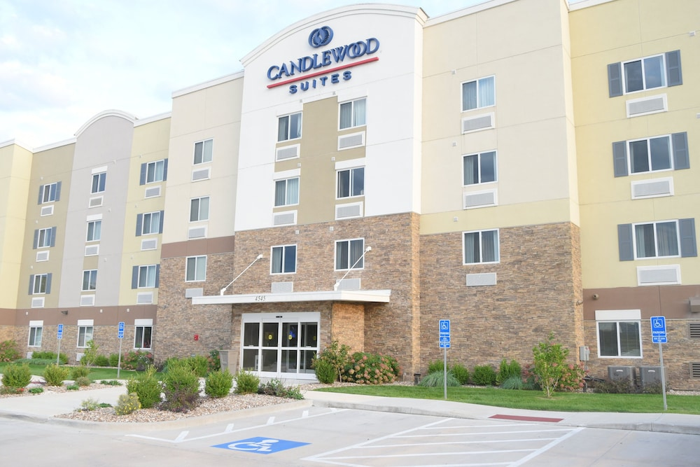 Featured Image, Candlewood Suites Kansas City - Independence, an IHG Hotel
