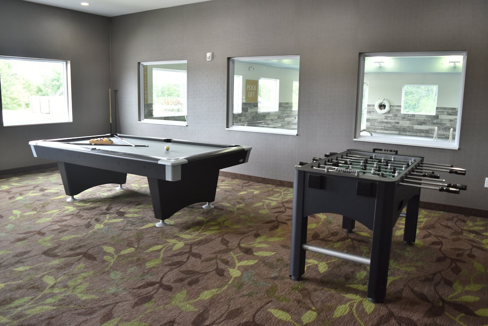 Billiards, Candlewood Suites Kansas City - Independence, an IHG Hotel