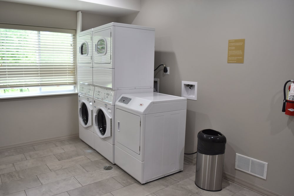 Laundry Room, Candlewood Suites Kansas City - Independence, an IHG Hotel