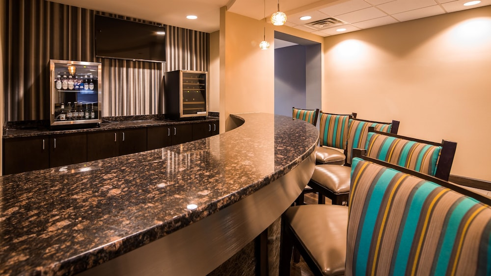Bar, Best Western Premier University Inn