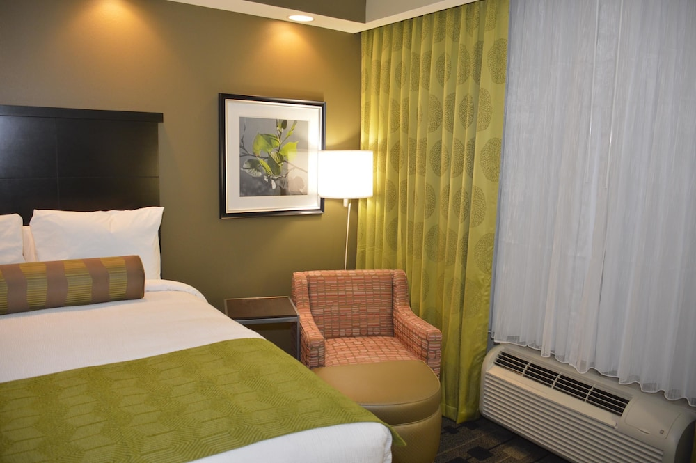 Room, Best Western Premier University Inn
