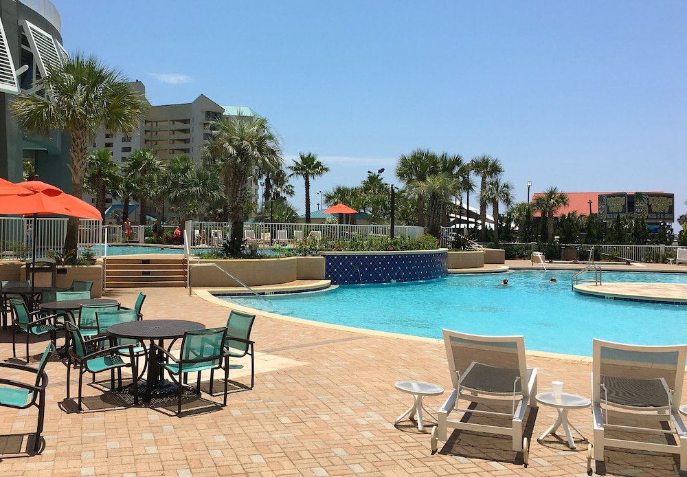 Pool, Laketown Wharf by Emerald View Resorts
