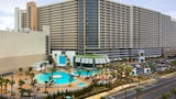 Laketown Wharf by Emerald View - Panama City Beach Hotels