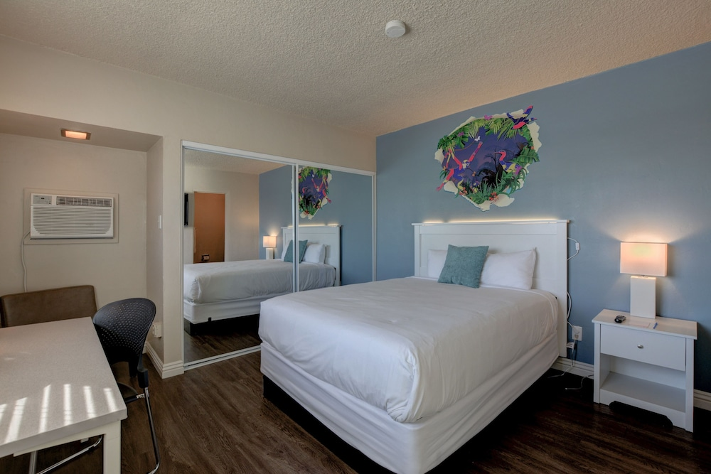 Room, Downtowner Boutique Hotel