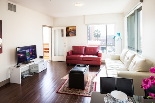Heaven on Hollywood Furnished Apts-Vine