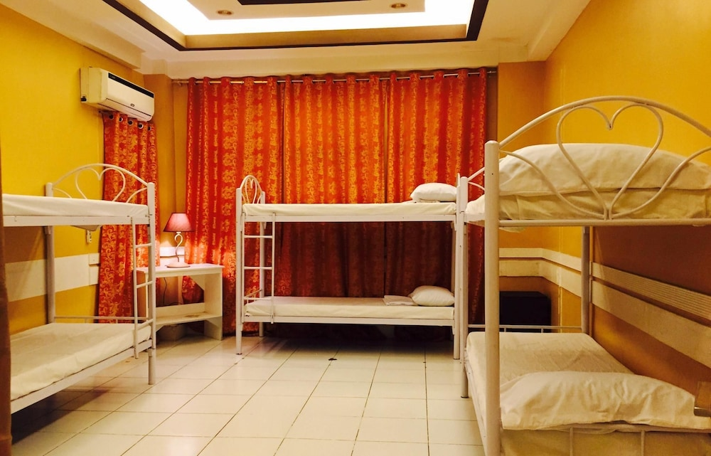 Room, Airport Travelodge Manila - Hostel