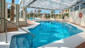 Indendørs pool, sæsonbestemt udendørs pool