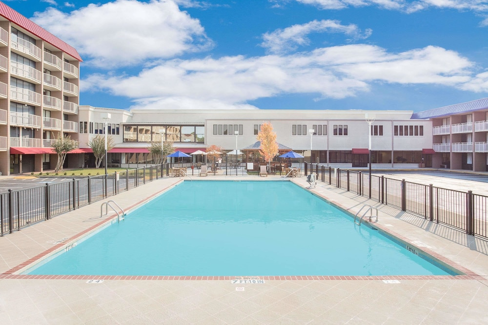 Pool, Ramada Plaza by Wyndham Fayetteville Fort Bragg Area