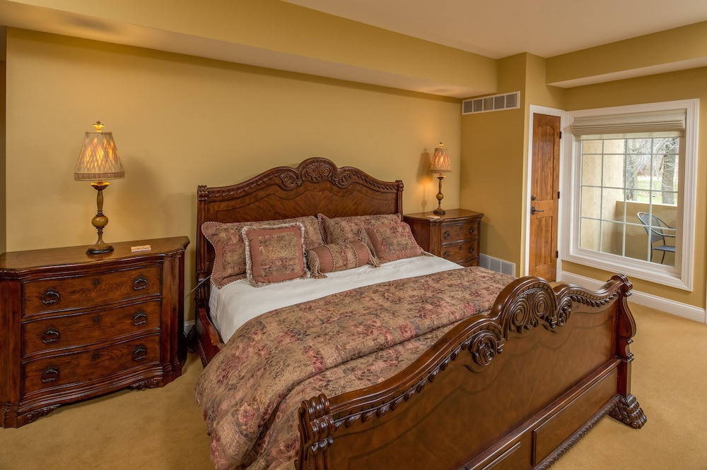 Chestnut Mountain Hotel Rooms