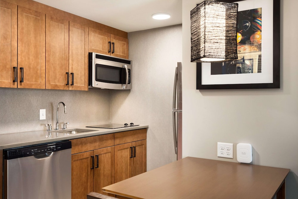 Private Kitchen, Homewood Suites by Hilton Syracuse - Carrier Circle